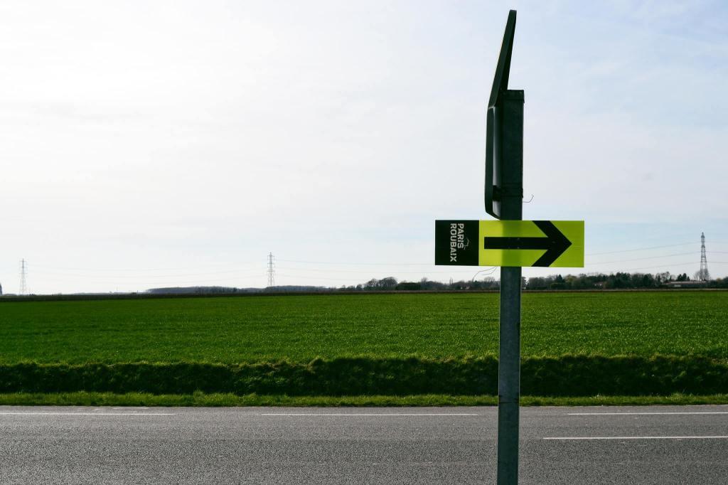 La freccia che indica la strada per raggiungere la Foresta di Arenberg.